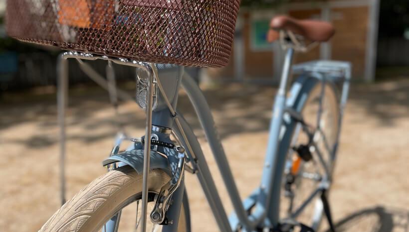 Photo du panier du vélo Elops 520 reconditionné.